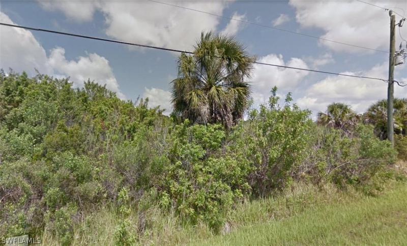 1015  Hoffer,  PORT CHARLOTTE, FL