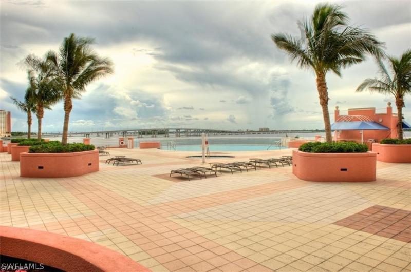 2743 1st 2702, Fort Myers, FL, 33916