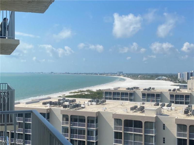 435  Bonita St , Fort Myers Beach, FL 33931-