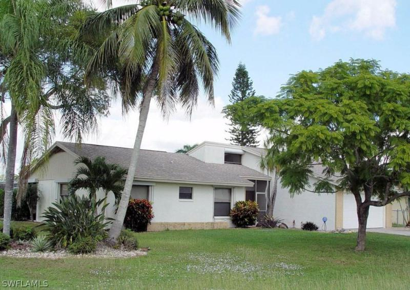 225 Nelson RD, Cape Coral, FL 33993
