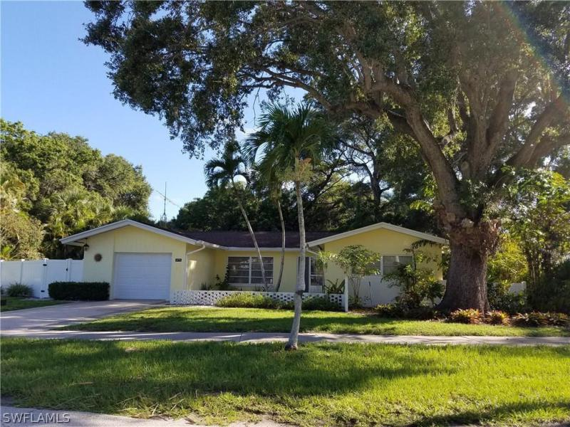 El Prado, Fort Myers in Lee County, FL 33901 Home for Sale