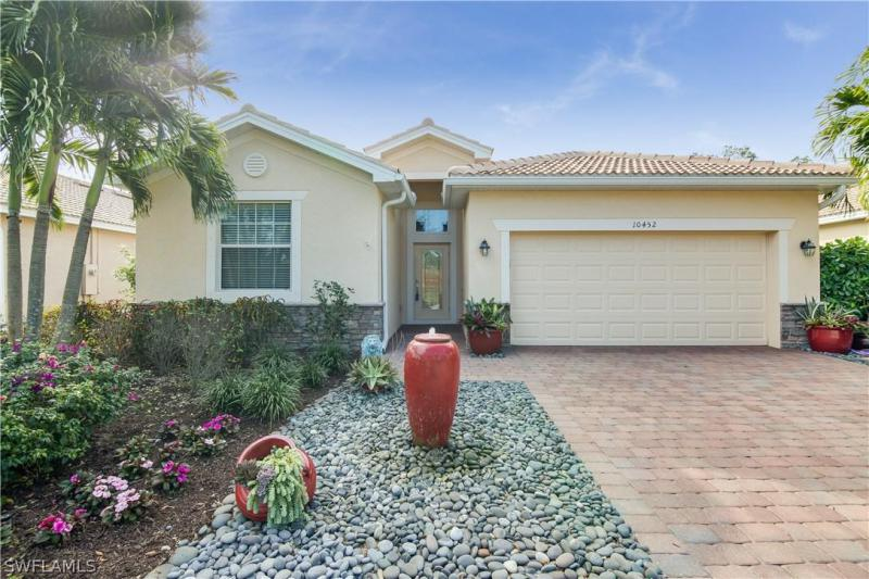 10456  Yorkstone DR, Bonita Springs, FL 34135-