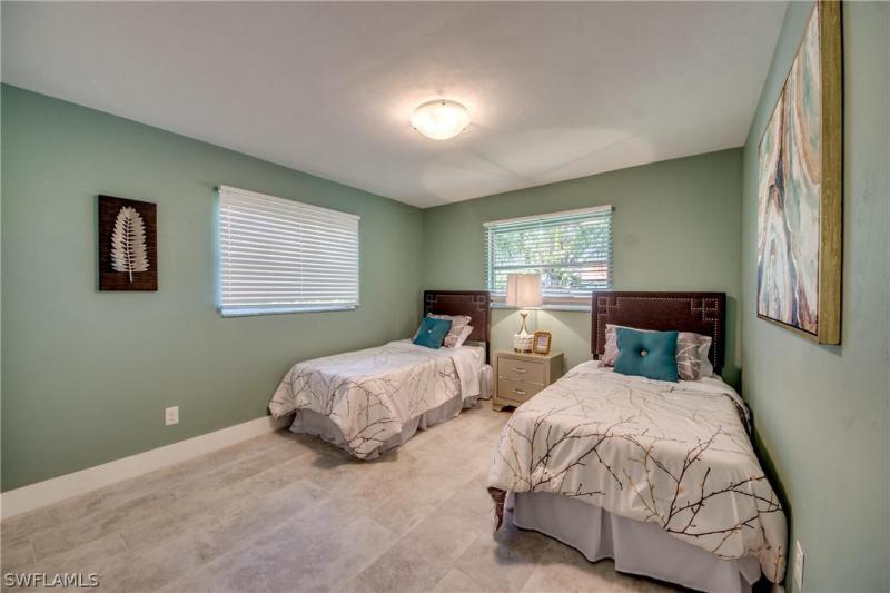 4607 Vinewood, North Fort Myers, FL, 33903