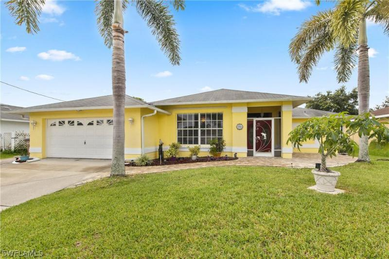 1625  Hough ST, Fort Myers, FL 33901-