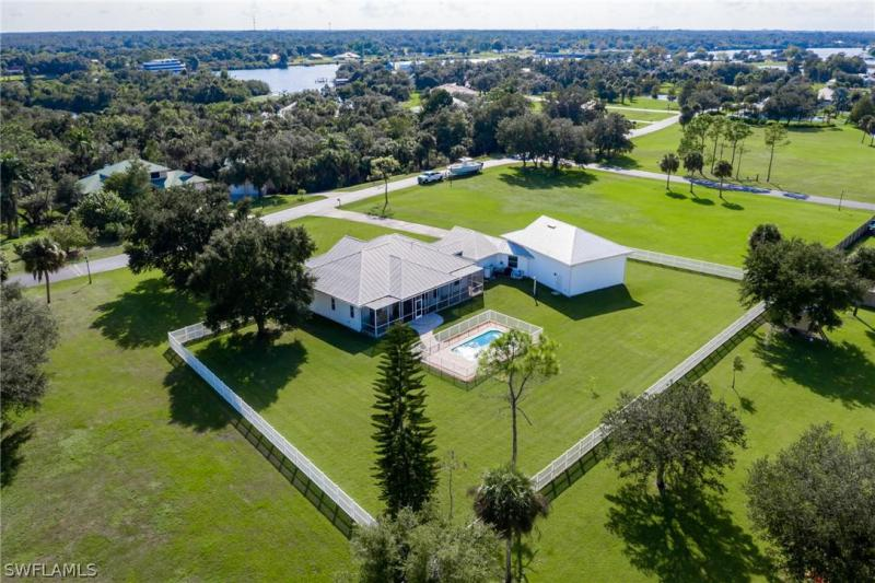 18080 Riverchase, Alva, FL, 33920