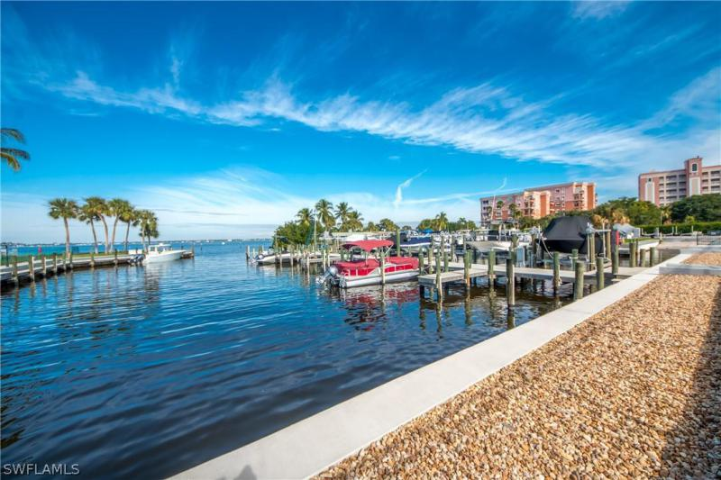 14641  Laguna,  Fort Myers, FL