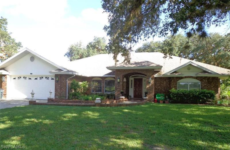 1490  Riverbend,  Labelle, FL