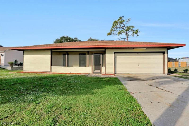 19039  Flamingo RD, Fort Myers, FL 33967-