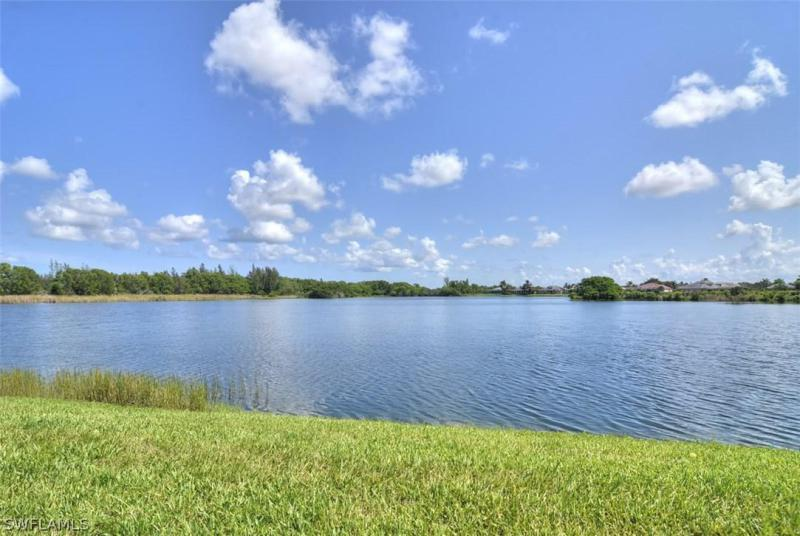 2611  Somerville LOOP Unit 204, Cape Coral, FL 33991-