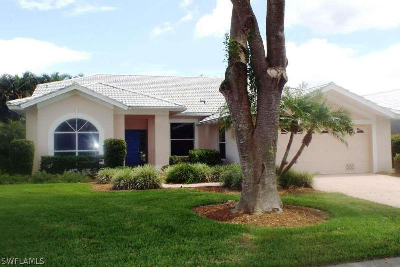 12821  Yacht Club CIR, Fort Myers, FL 33919-