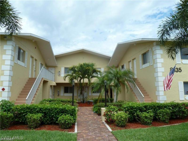 8135  Country,  Fort Myers, FL