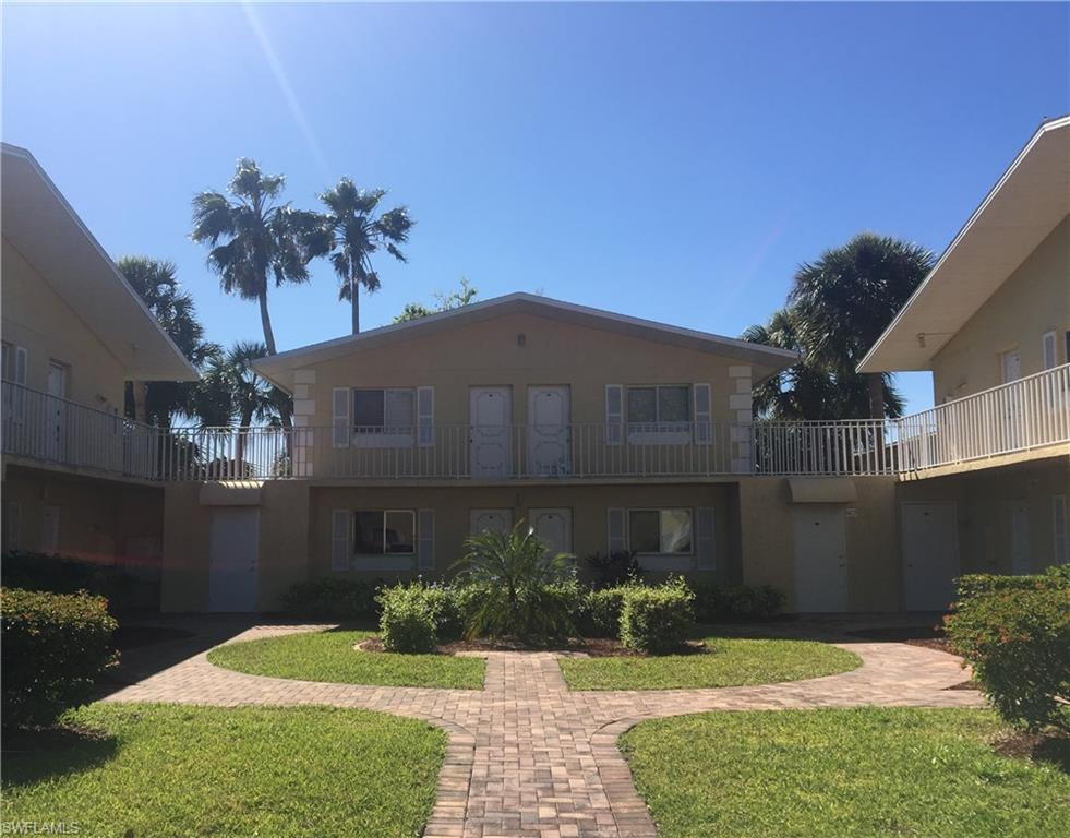 8071  Country,  Fort Myers, FL