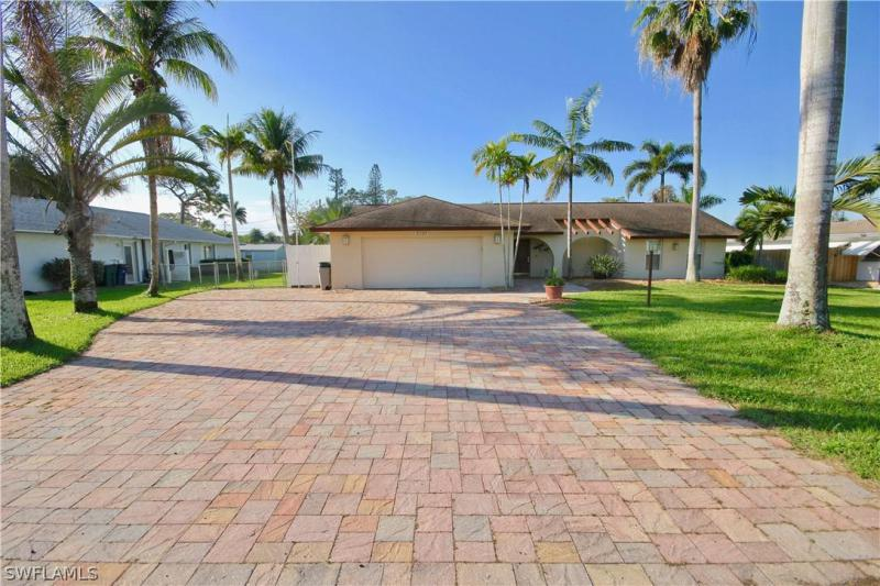 2430  Woodland,  Fort Myers, FL