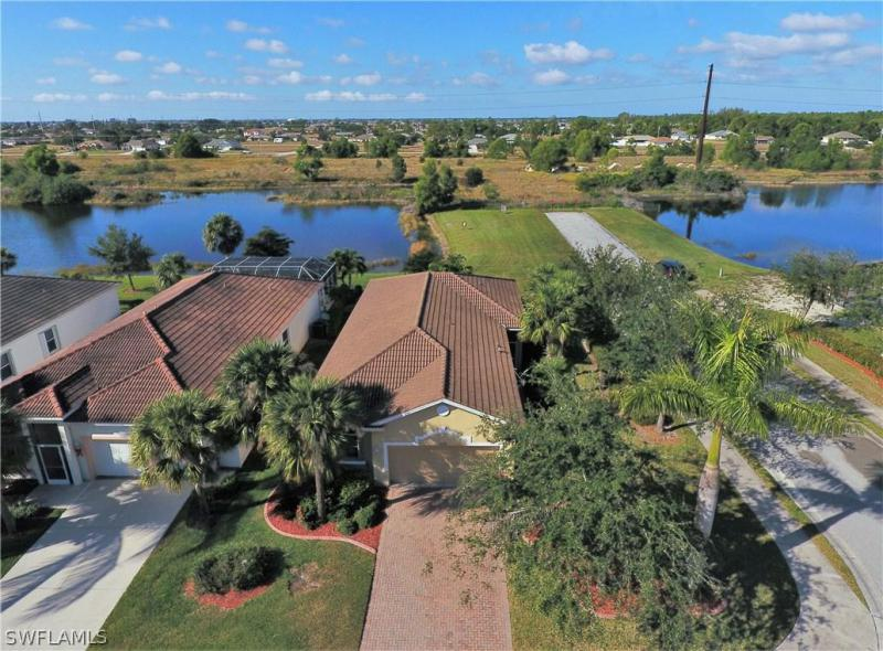 2584  Keystone Lake DR, Cape Coral, FL 33909-