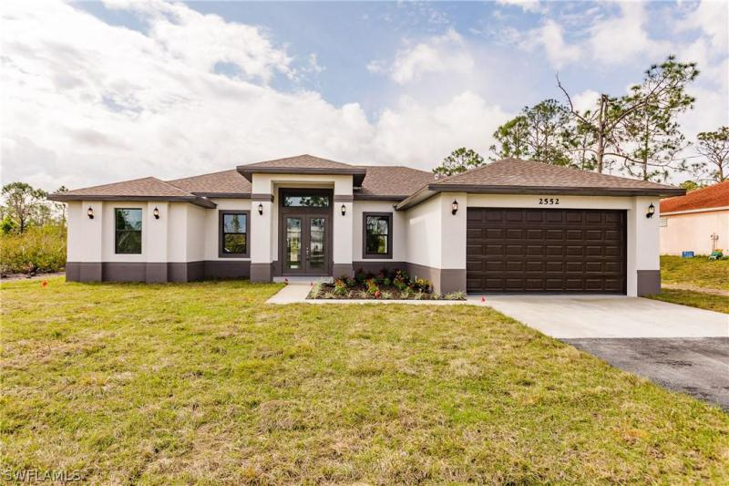 GOLDEN GATE ESTATES Naples