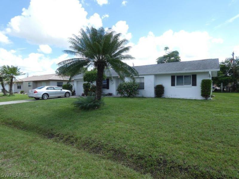 18555  Geranium RD Fort Myers, FL 33967- MLS#218041611 Image 2