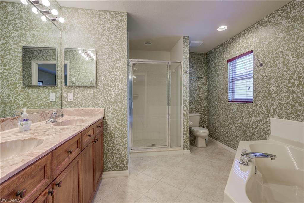10060 Lake Cove Dr #102, Fort Myers, Fl 33908