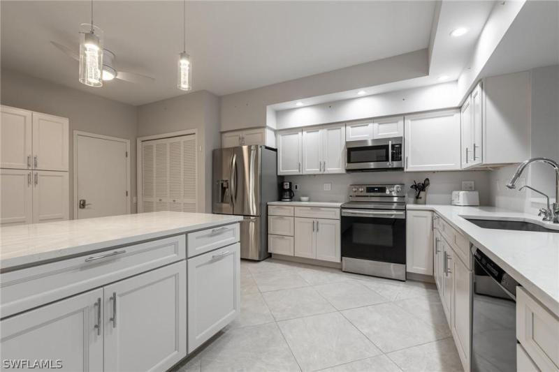 IMAGE 5 FOR MLS #221052011 | 16391 FAIRWAY WOODS DRIVE #205, FORT MYERS, FL 33908
