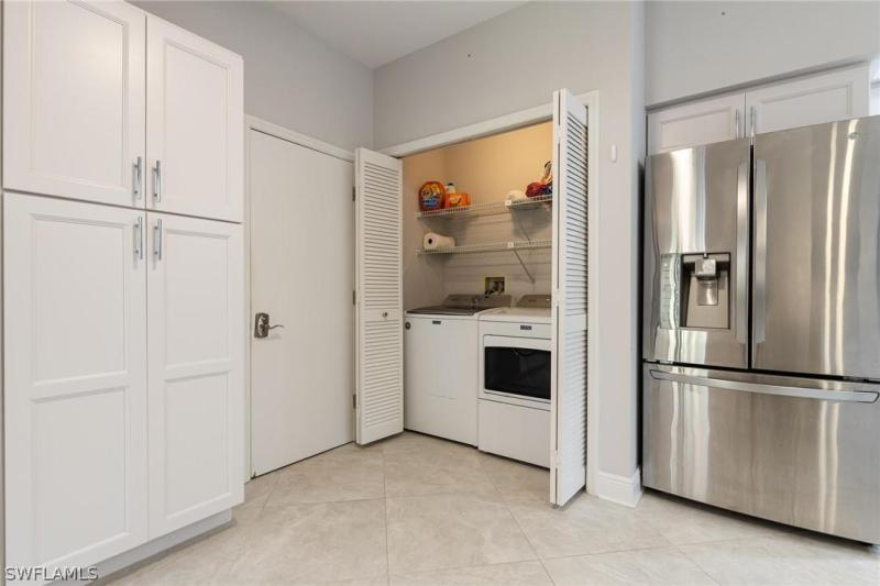 IMAGE 7 FOR MLS #221052011 | 16391 FAIRWAY WOODS DRIVE #205, FORT MYERS, FL 33908