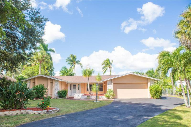 296  Broadview,  Fort Myers, FL