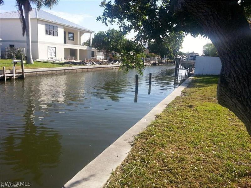 Photo of Flamingo Park 153 Driftwood in Fort Myers Beach, FL 33931 MLS 217043278