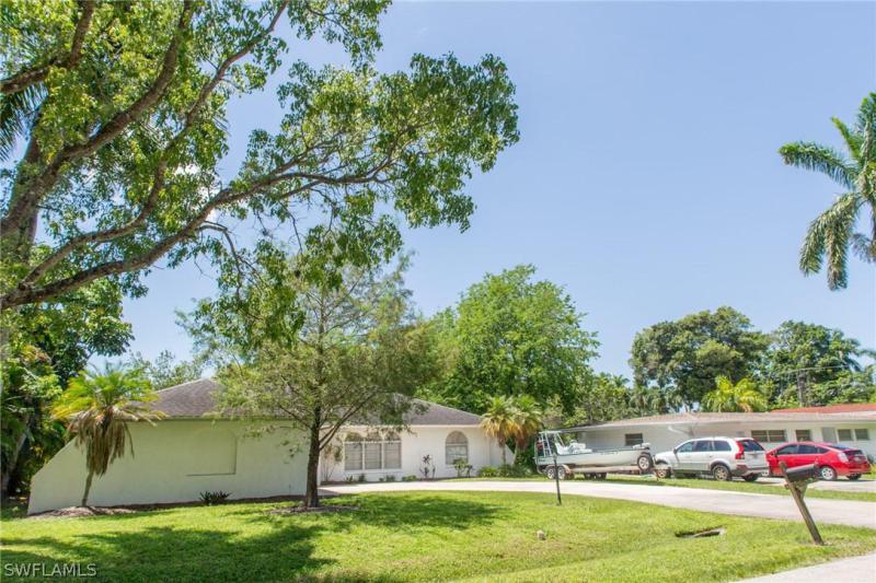 880 Dean, Fort Myers, FL, 33919