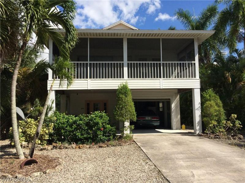5474 Oak Ridge AVE, Fort Myers Beach, FL 33931