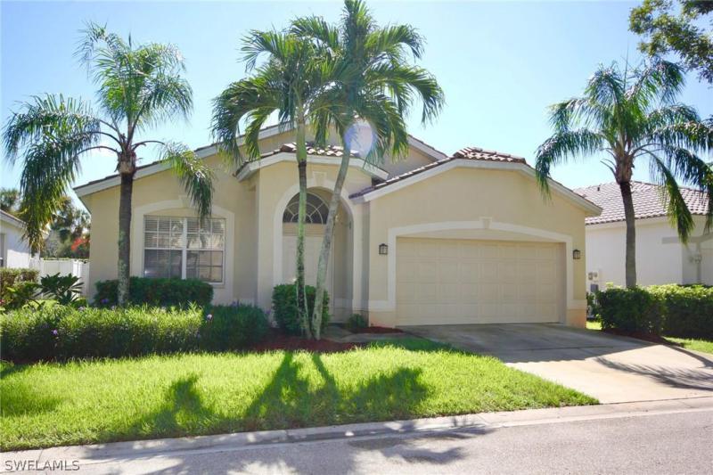 11300  Lakeland CIR, Fort Myers, FL 33913-