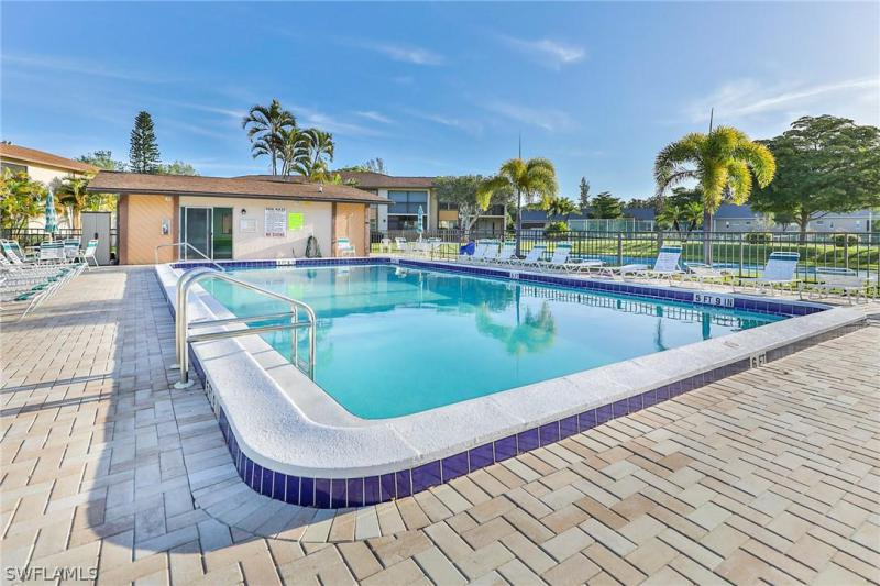 16881 Davis 216, Fort Myers, FL, 33908