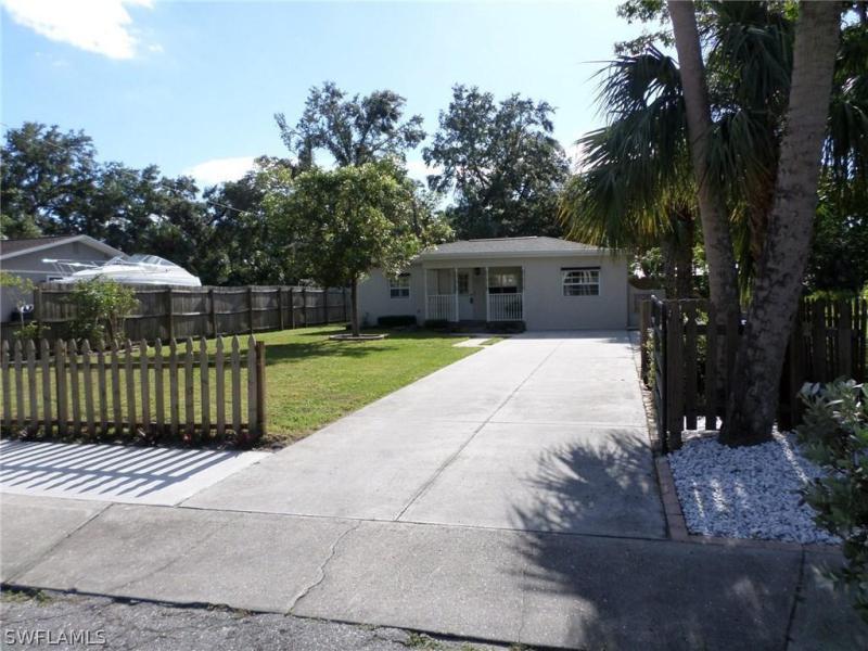 304  Kingston DR, Fort Myers, FL 33905-