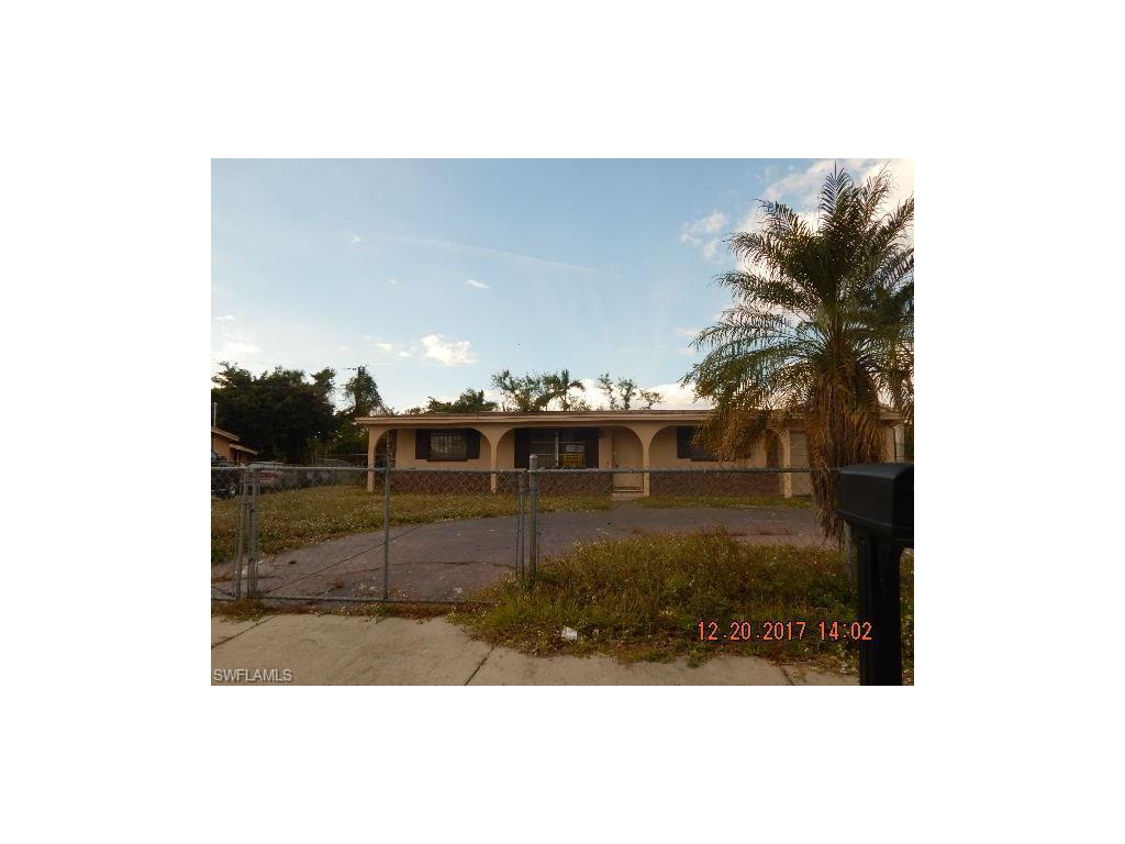 23061  Avenue B , Alva, FL 33920-