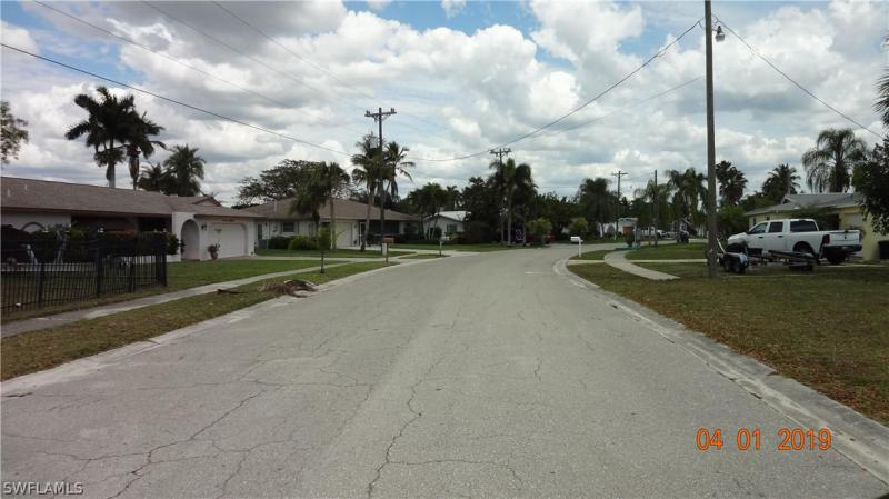 1763 Lakeview, North Fort Myers, FL, 33903