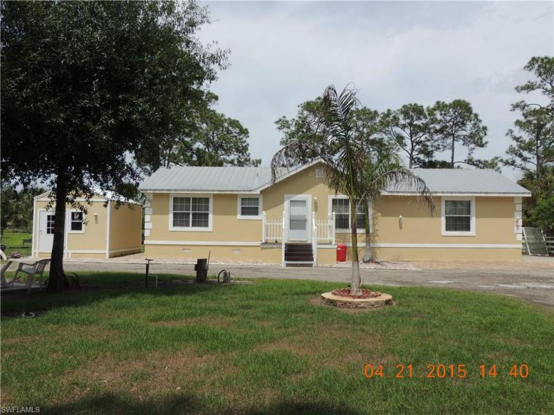 2493  Phillips,  Labelle, FL