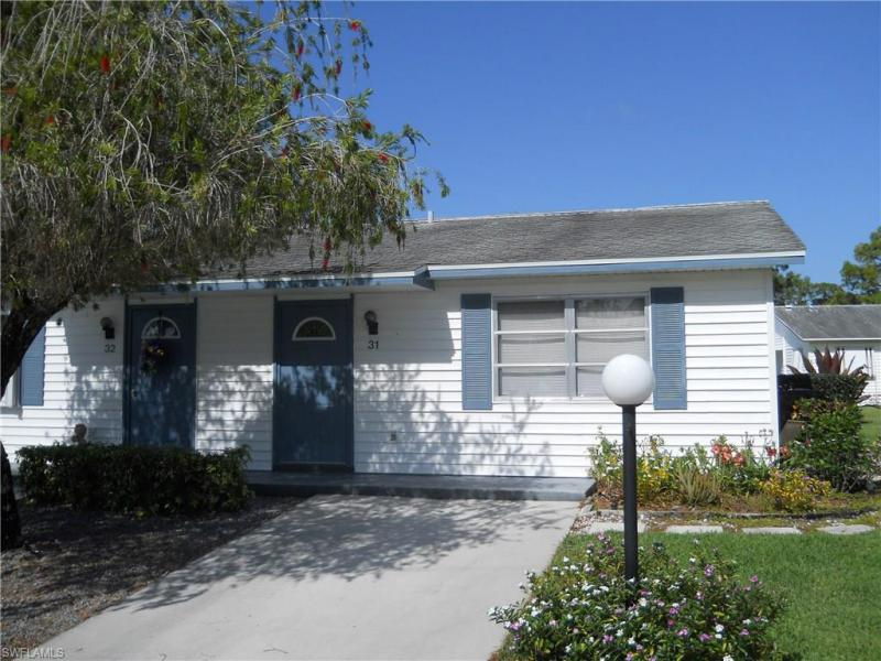 31  pinewood,  Lehigh Acres, FL