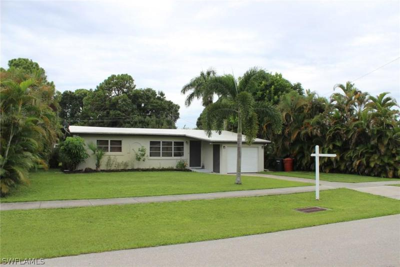 , Fort Myers in Lee County, FL 33901 Home for Sale