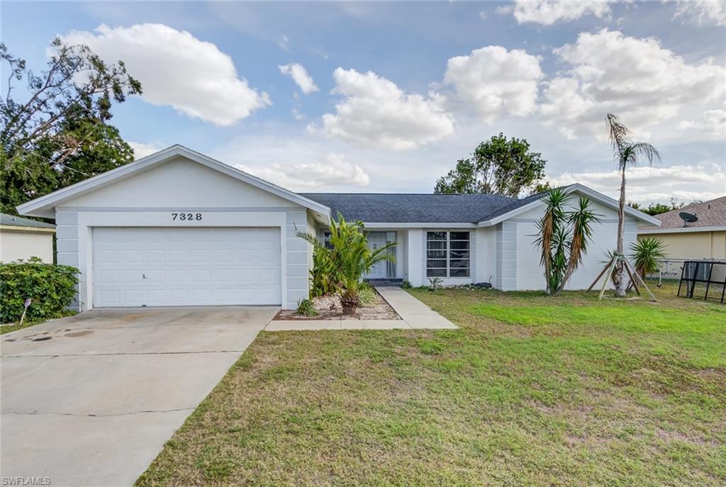 8221  Sandpiper RD, Fort Myers, FL 33967-