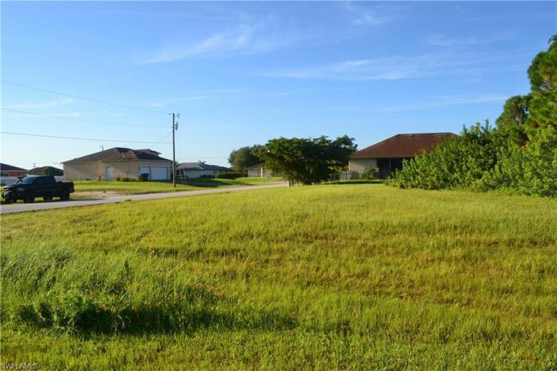 2700 Nw 4th Terrace, Cape Coral, Fl 33993