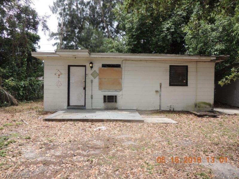 401 W Leeland Heights BLVD, Lehigh Acres, FL 33936-