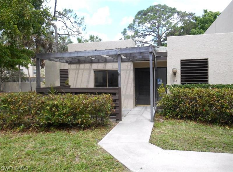 PINEBROOK LAKES CONDO Fort Myers