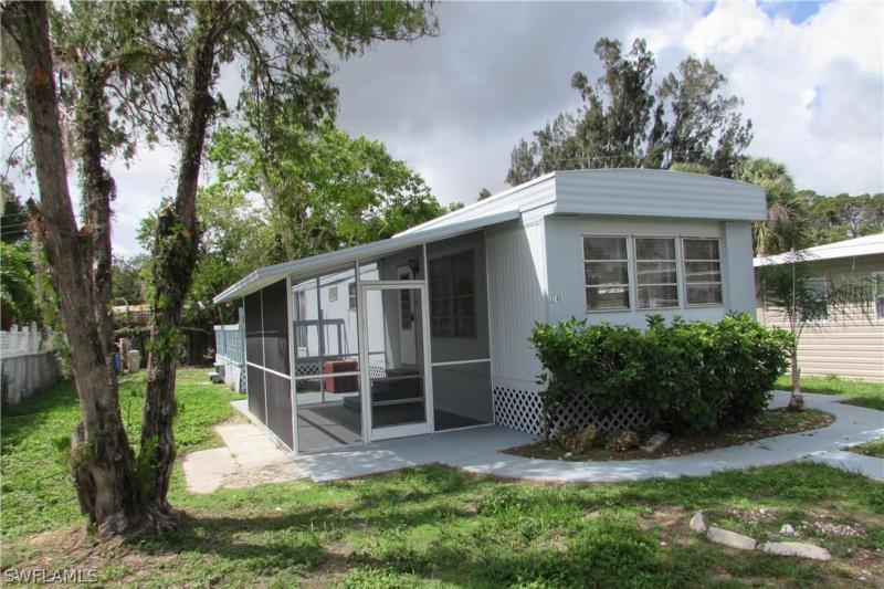 8140  Country RD Unit 201, Fort Myers, FL 33919-