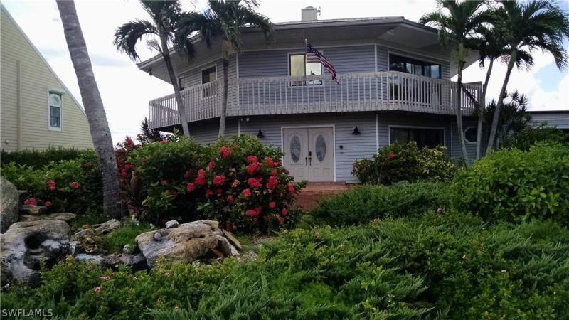 8461  Casa Del Rio,  Fort Myers, FL