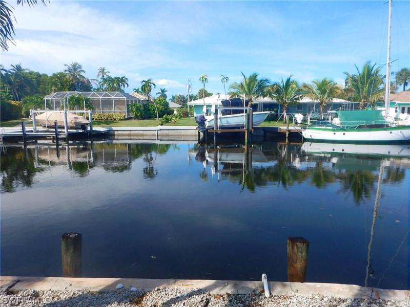 806 Fairlawn CT Marco Island, FL 34145 photo 21