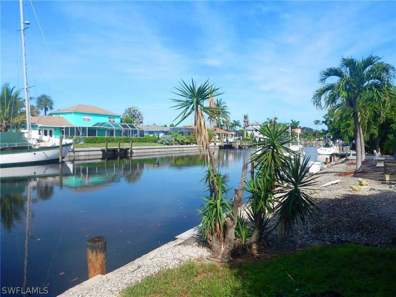 806 Fairlawn CT Marco Island, FL 34145 photo 22