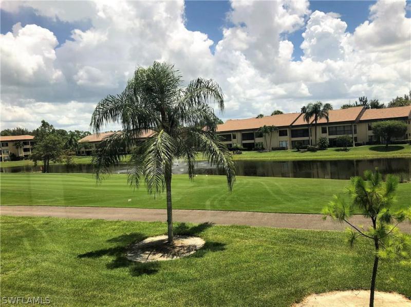 5690  Trailwinds DR Unit 624, Fort Myers, FL 33907-