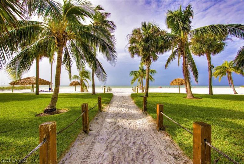 2810  Estero,  Fort Myers Beach, FL