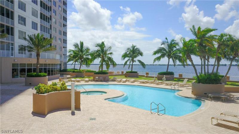2090 W First St #610, Fort Myers, Fl 33901