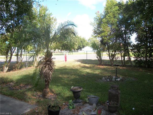 698 Nw 6th St, Moore Haven, Fl 33471