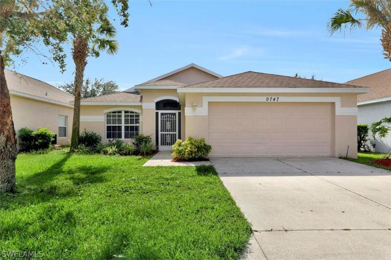 Image of 9747 Gladiolus Bulb LOOP  # Fort Myers FL 10476 located in the community of GLADIOLUS PRESERVE