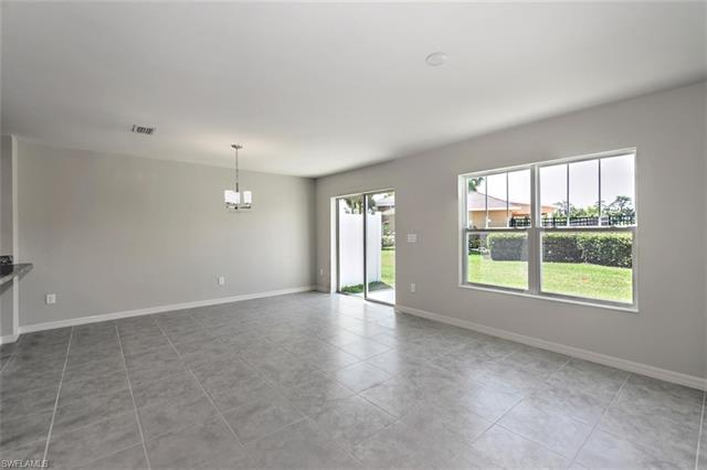 6390 Brant Bay 106, North Fort Myers, FL, 33917