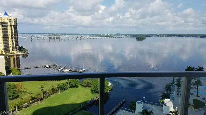 Oasis Grand, Fort Myers, Florida
